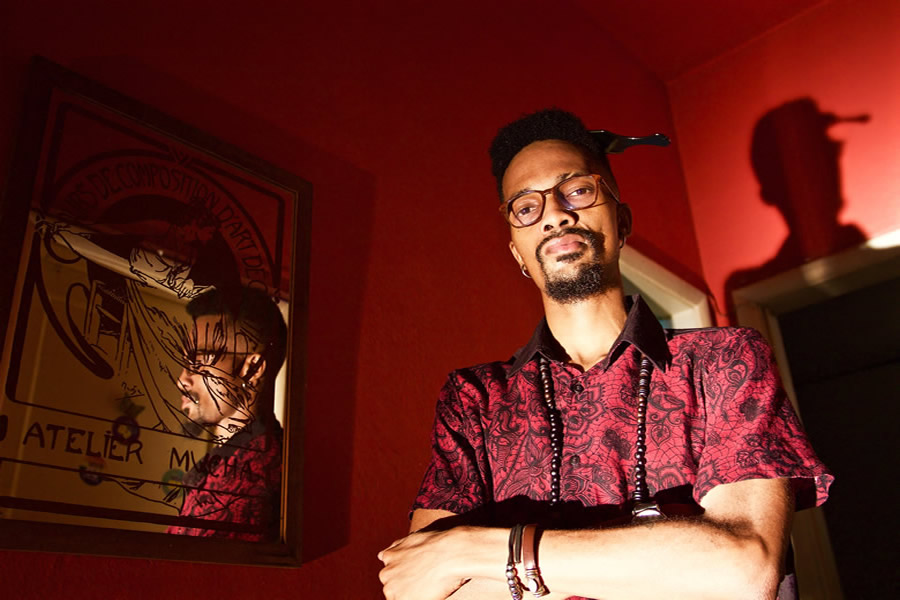 O cantor e compositor Jonathan Ferr