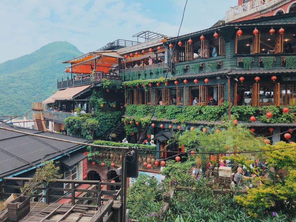 Jiufen, Taiwan é uma zona de montanha beira-mar em Ruifang