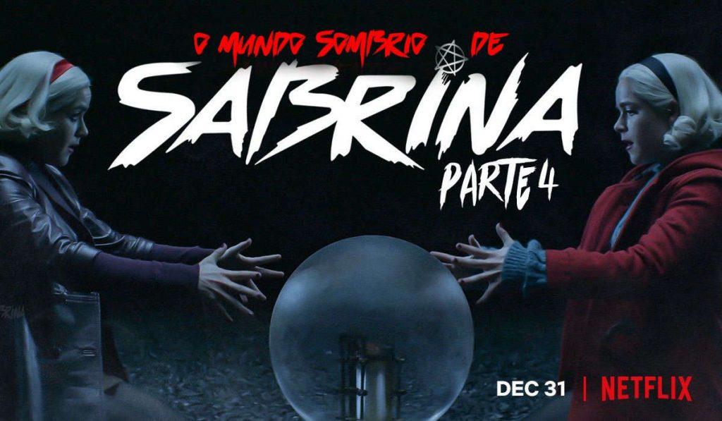 As duas Sabrina olhando para uma bola de vidro no centro da foto, rodeadas pela es